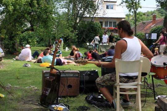 Ogrod Karadi-Berger podczas festiwalu. Fot. bormamorbenye.hu